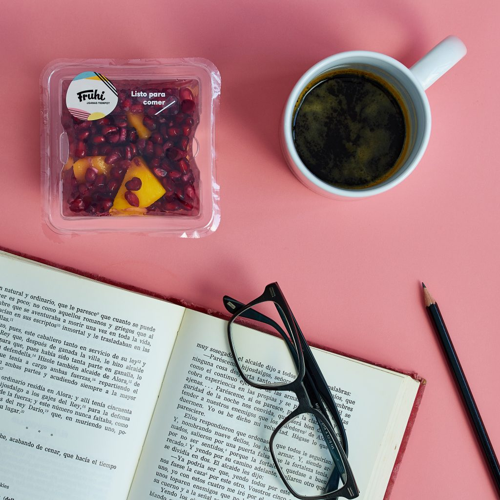 fotografia de alimentacion para una marca de fruta envasada: Fruhi